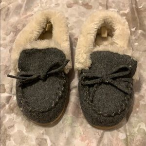 GAP moccasin slippers toddler size M 7/8